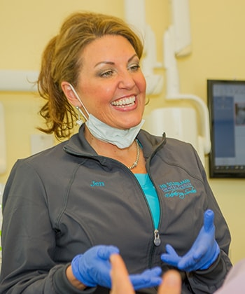 Jen working at The Silberman Dental Group who is part of the Waldorf dental team.